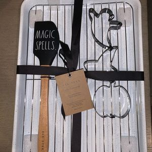 NWT Fall Rae Dunn 6 Piece Magic Spells Baking Set